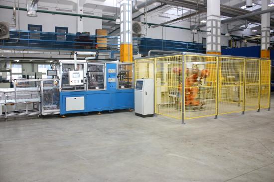 Automatyczna linia do badania szczelności bloków silnika