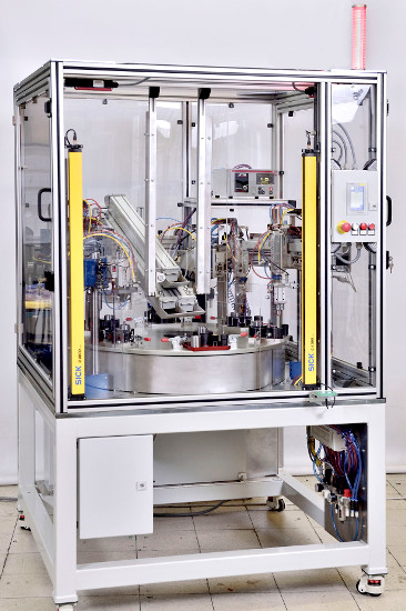Montaż i badanie szczelności tłoka zacisku hamulcowego