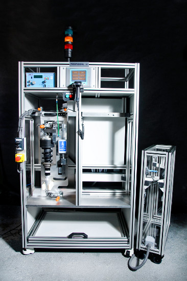 Półautomatyczny tester szczelności amortyzatorów