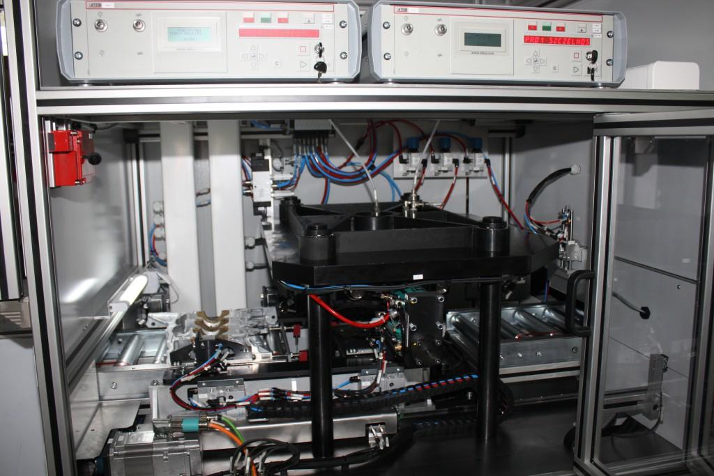 Automatyczna linia do badania szczelności korpusów silnika